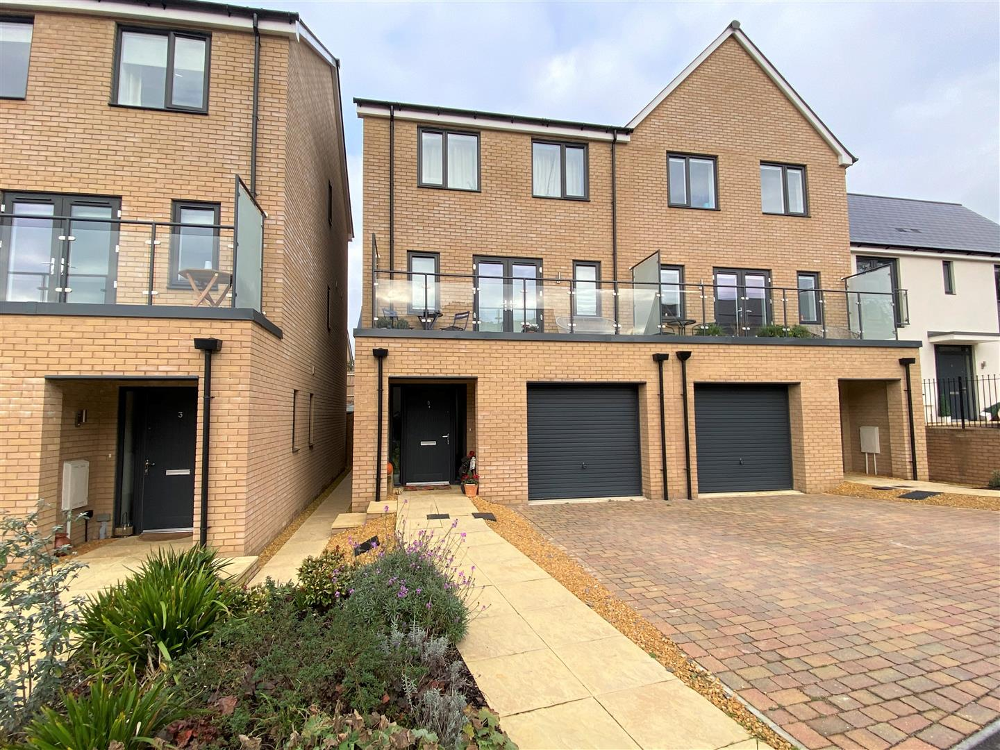 4 bedroom townhouse house for sale